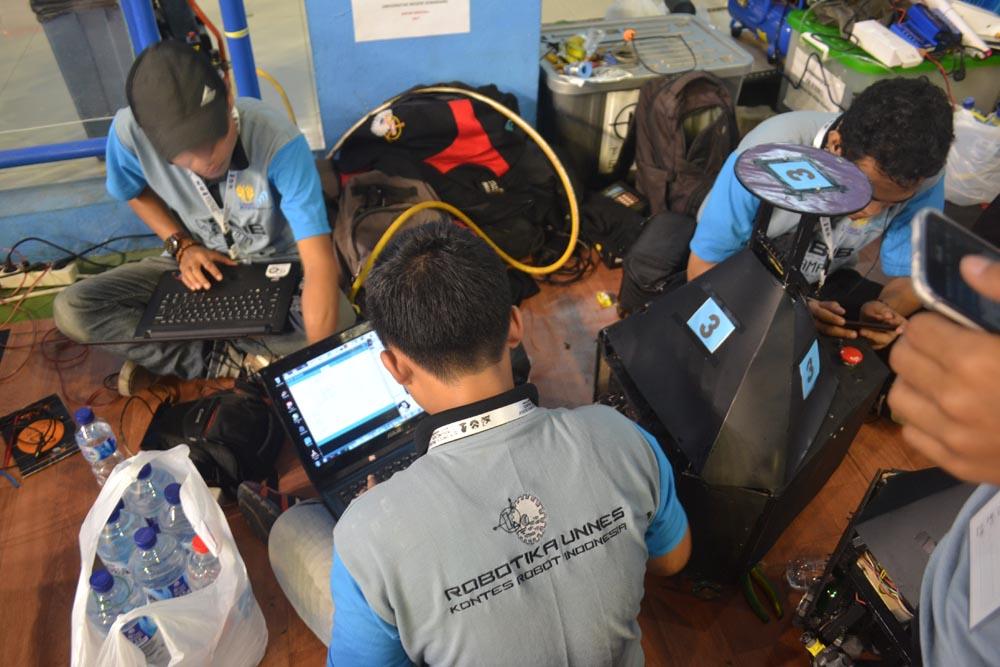 Kontes Robot Nasional UPI Bandung
